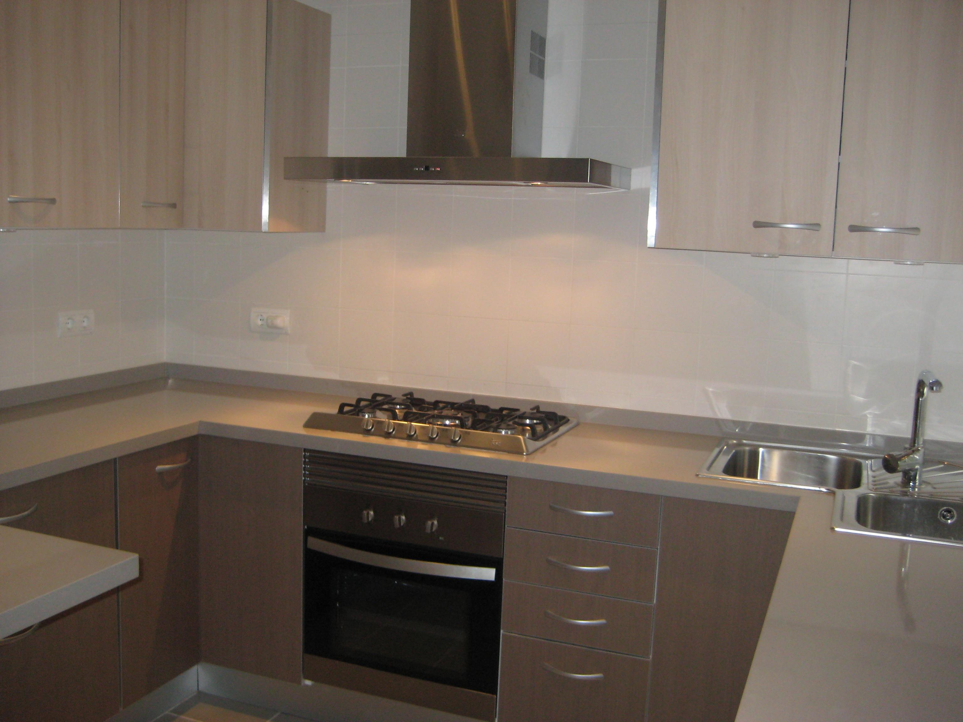 Mueble cocina barato las cocinas lacadas o de madera - Muebles segunda mano ibiza ...